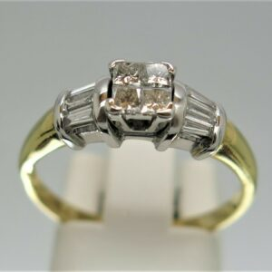 18ct Diamond Cluster Ring
